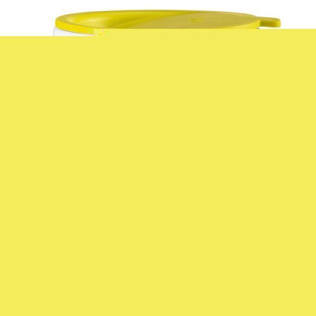 Gobelet isotherme avec couvercle AROMA TO GO vert moutarde opaque de Koziol