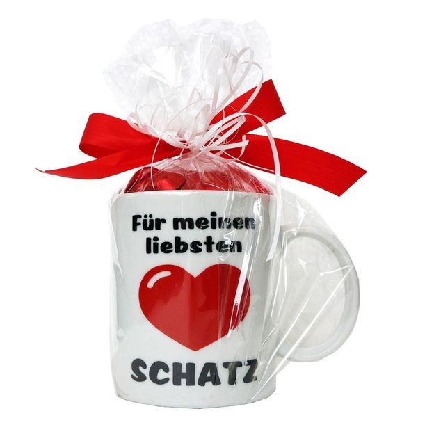 Schatz-Tasse mit Schokoladenherzen