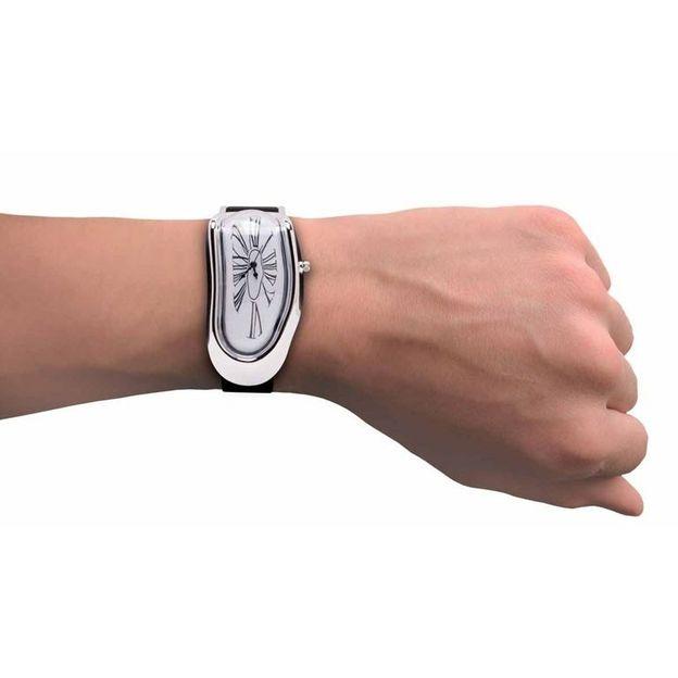Schmelzende Armbanduhr