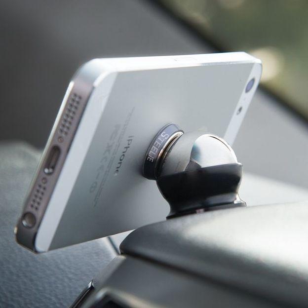 Steelie Fahrzeughalterung für Smartphones