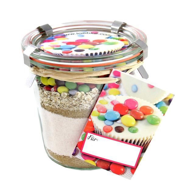 Kuchen Backmischung Geburtstags-Kuchen mit Schokolinsen im Weckglas