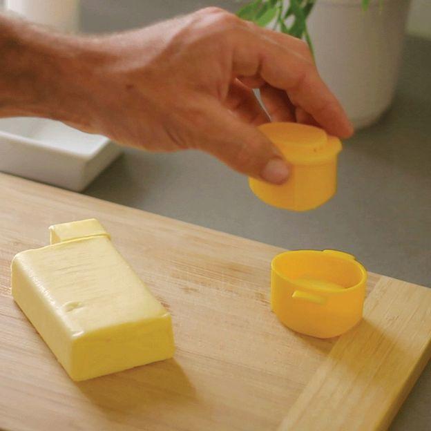 Distributeur de beurre et salière pour maïs