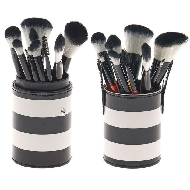Set de pinceaux make-up et étui rayé
