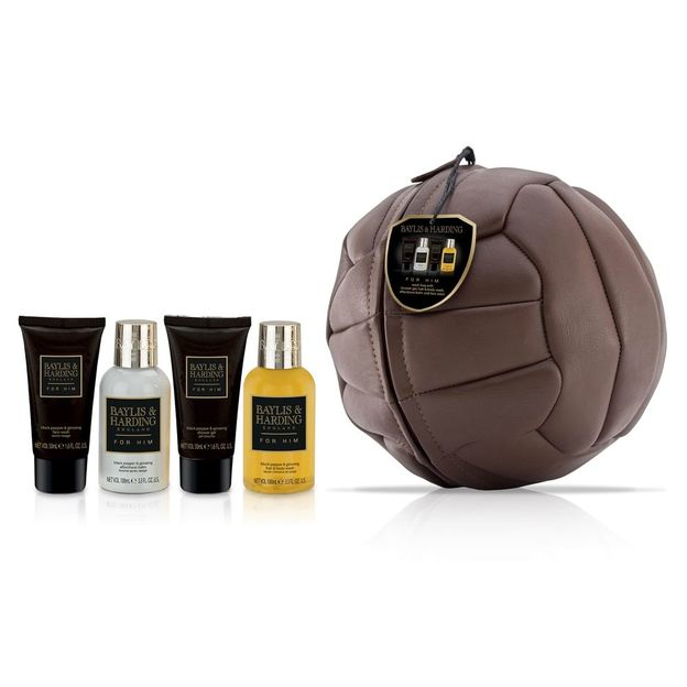 Necessair Fussball Wash Set für Ihn Black Pepper & Ginseng