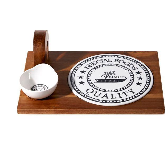 Antipasti set avec planche en bois et accessoires