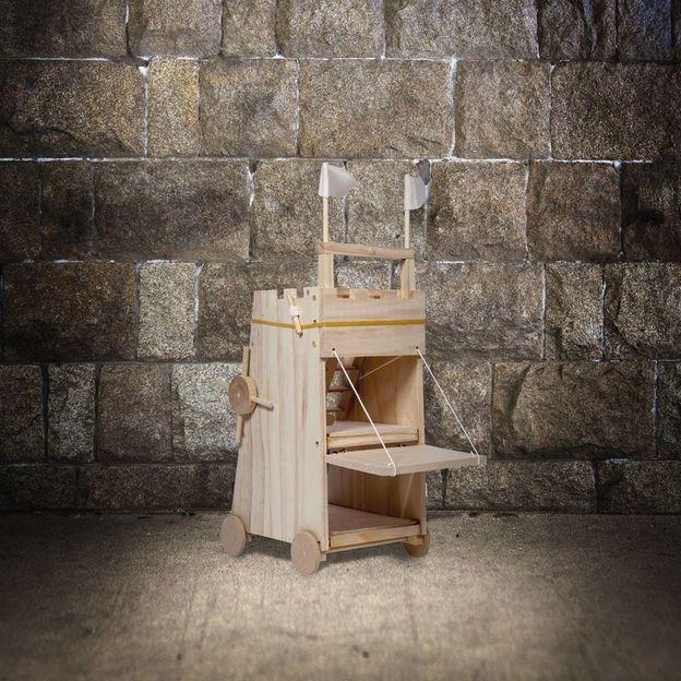 Belagerungsturm Funktionsmodell aus Holz - Selbstbaukit