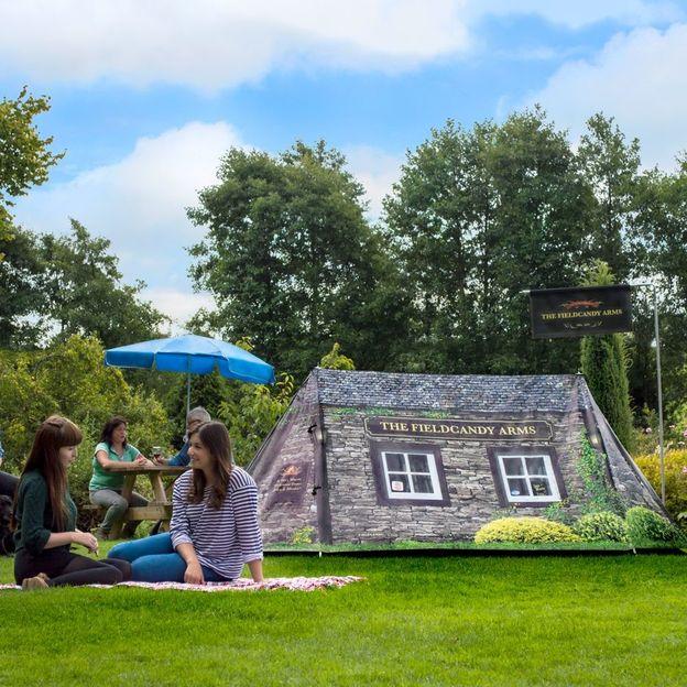 Zelt FieldCandy Worlds Smallest Pub für zwei Personen