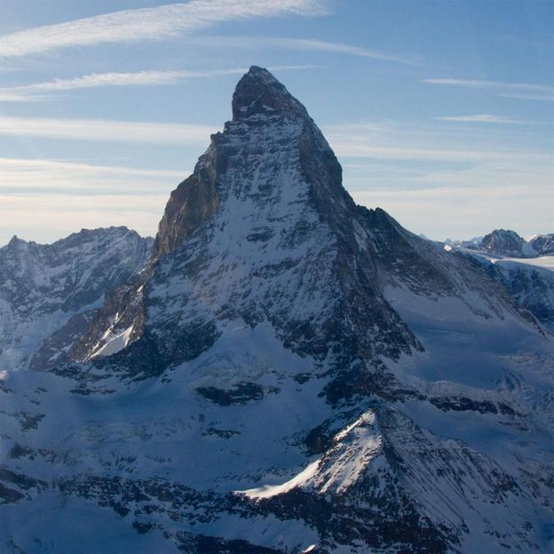 Rundflug über das Matterhorn (Walliser Alpen)
