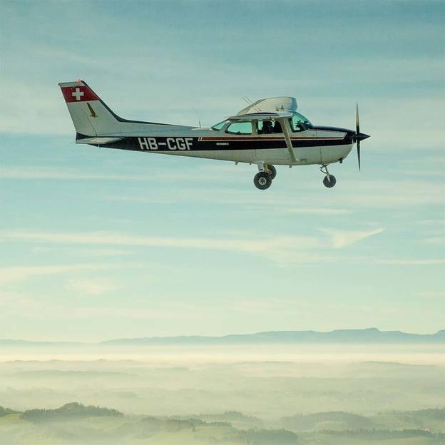 Vol en avion sur le Mont Cervin