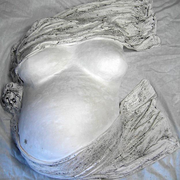 Gipsabdruck vom Schwangerschaftsbauch
