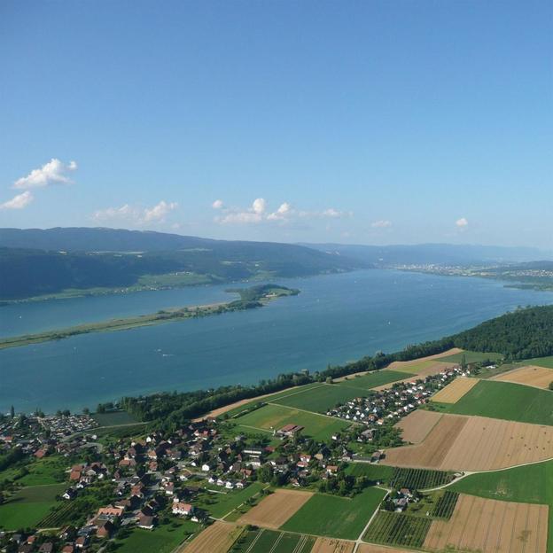 Vol montgolfière Panorama des 3 lacs.