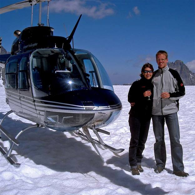 Alpenflug mit Gletscherlandung und Apéro