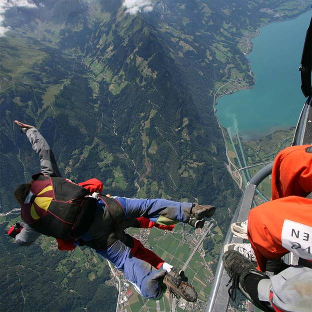 Heli Skydiving Eiger View