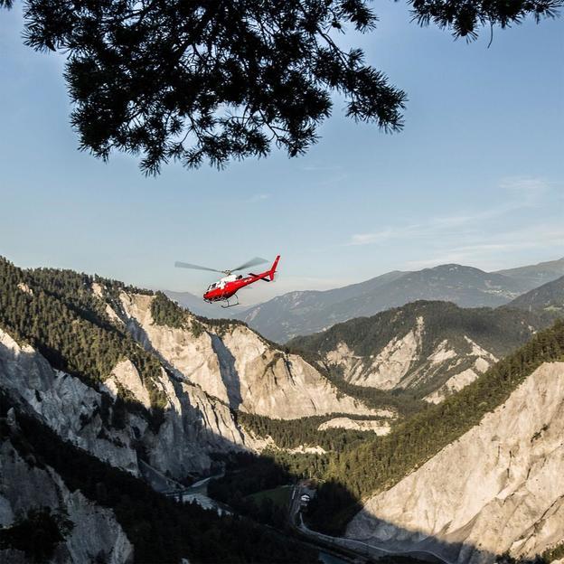 Helikopter Rundflug: Swiss Grand Canyon