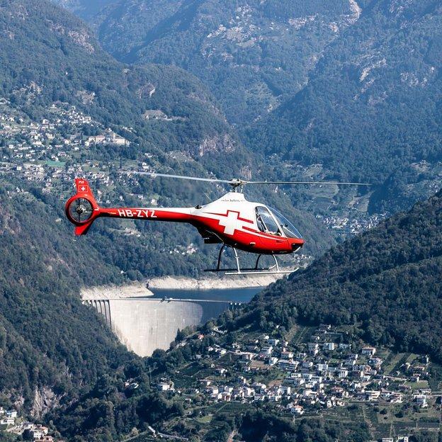 Helikopter Schnupperflug mit Guimbal Cabri G2  ab Gordola bei Locarno (für 1 Person)