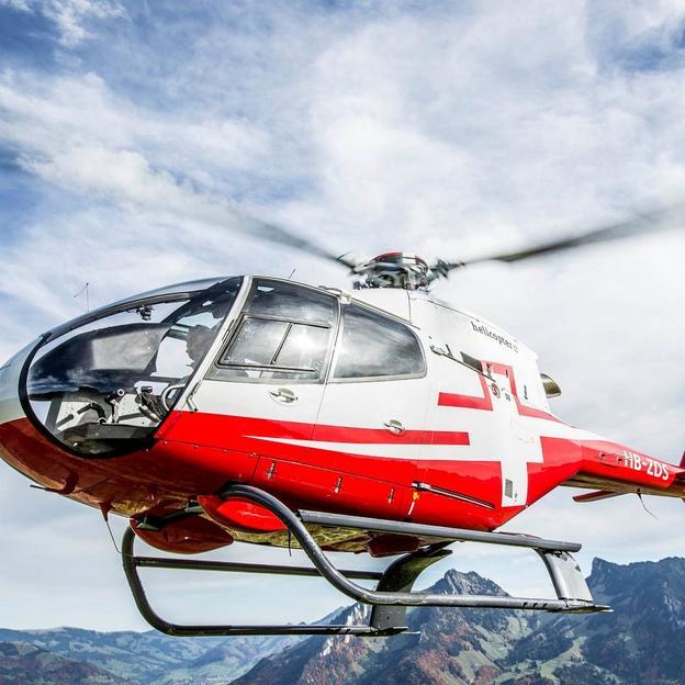 Helikopter Rundflug: Schloss- und Seenflug Gruyères (für max. 4 Personen)