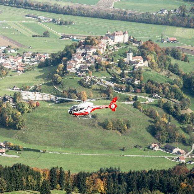 Helikopter Rundflug: Fribourger Voralpen (für max. 4 Personen)