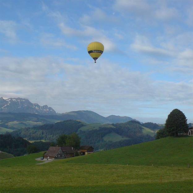 Exklusivfahrt mit dem Heissluftballon für 2 Personen