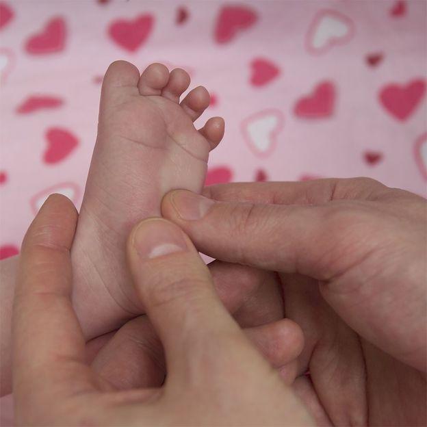 Cours de massage pour bébé d'après la tradition Newar