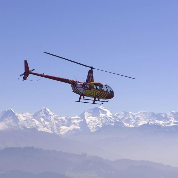Helikopterflug mit Brunch in den Berner Alpen (für 3 Personen)