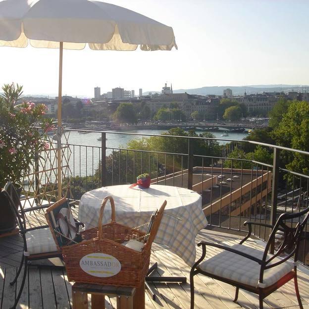 Picknick-Träume auf der malerischen Dachterrasse am Zürichsee