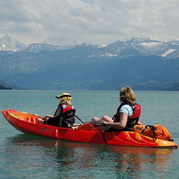 Kayak et pizza sur le lac de Thoune (6 pers.)
