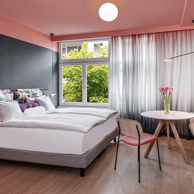 Chambre romantique de rêve pour les amoureux à Saint-Gall