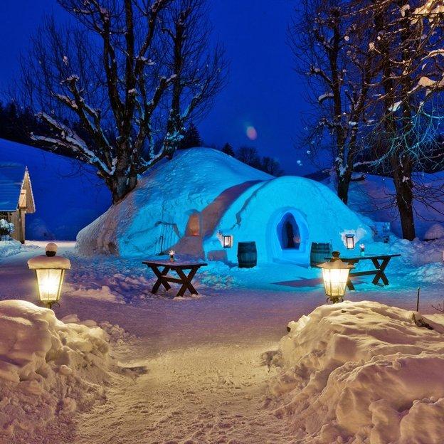 Igloo romantique dans l'Emmental (une nuit en igloo, une nuit à l'hôtel)