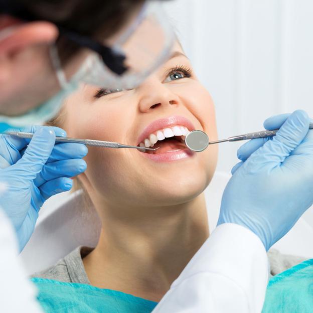 Bleaching & Zahnreinigung - für ein strahlend weisses Lächeln