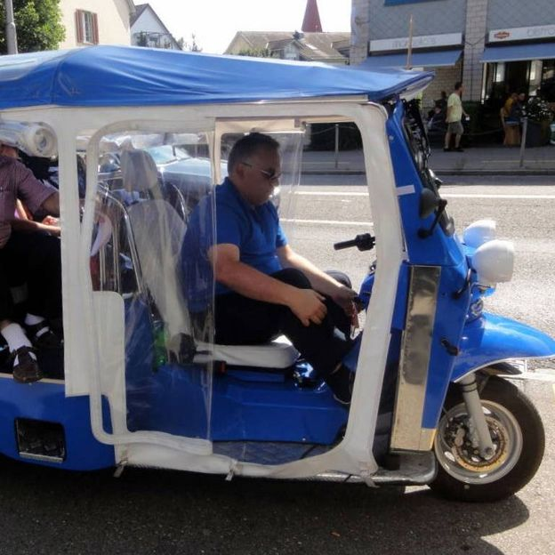 eTukTuk City Tour - Ein Fahrvergnügen der Superlative - für 5 Personen