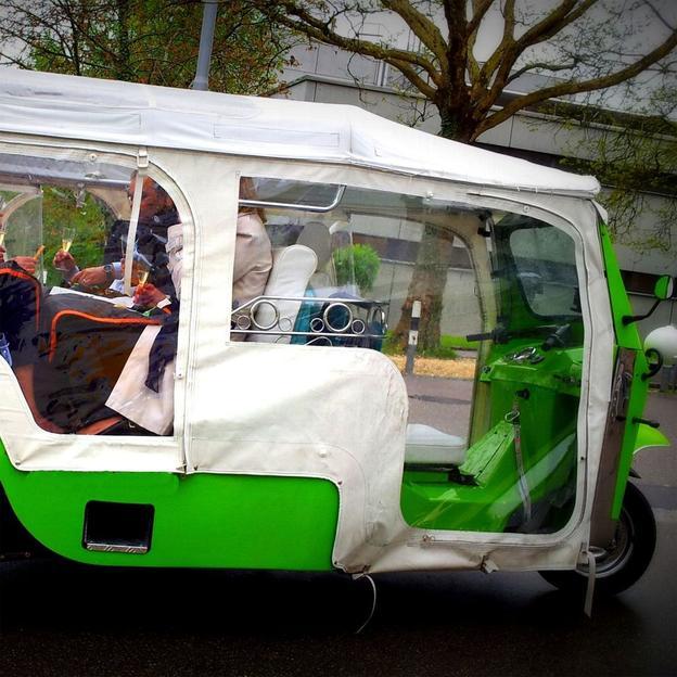 eTukTuk City Tour - 60 minütiger Fahrspass garantiert
