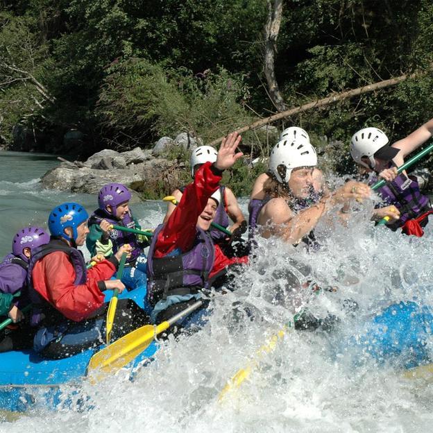 Rafting et pique-nique BBQ sur le Rhin antérieur