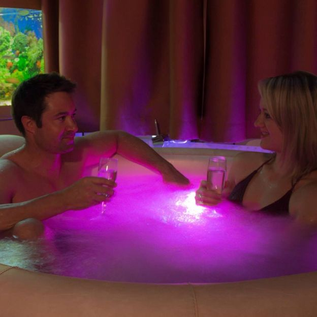 Romantischer Whirlpool und Massage für zwei