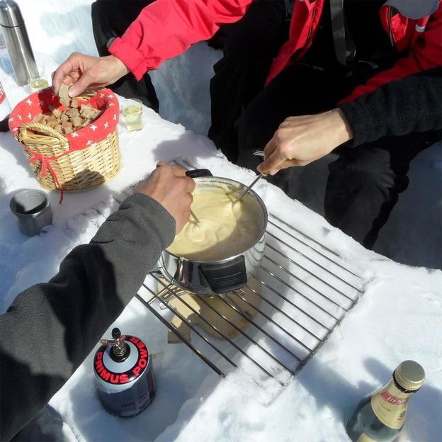 Randonnée en raquettes à neige et fondue