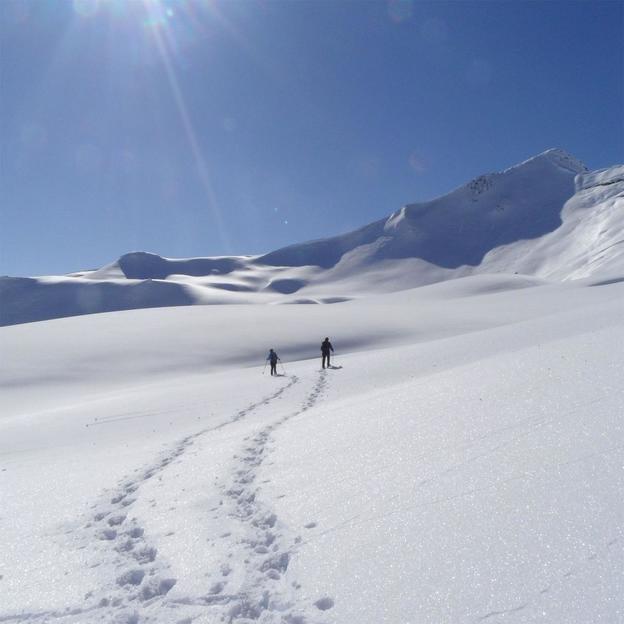 Schneeschuhwanderung mit Gipfel Fondue