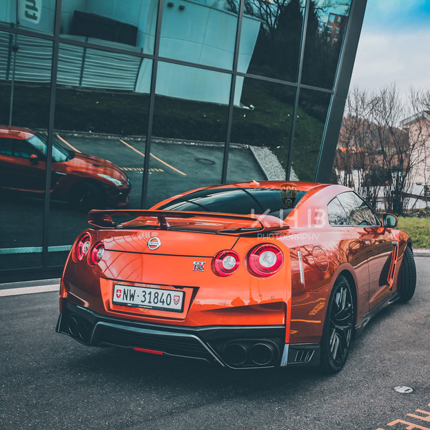 Nissan GT-R R 35 location 3 h