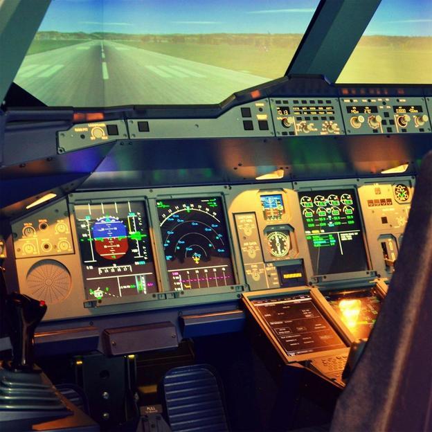 Flugsimulator im Airbus A380 Cockpit (60 Minuten)