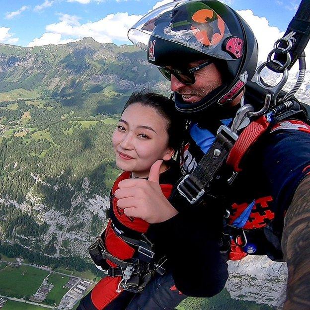 saut en parachute d'un drone