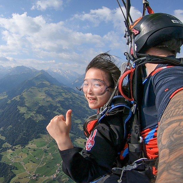 Saut en parachute en tandem