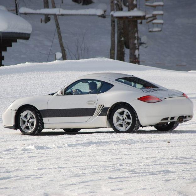 Baptême de conduite sur glace en Porsche