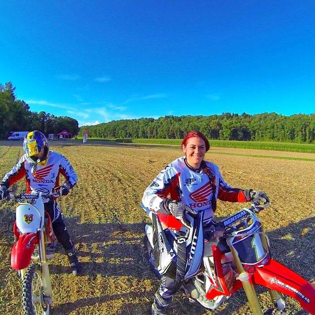 Ladies Motocross fahren mit dem Europameister