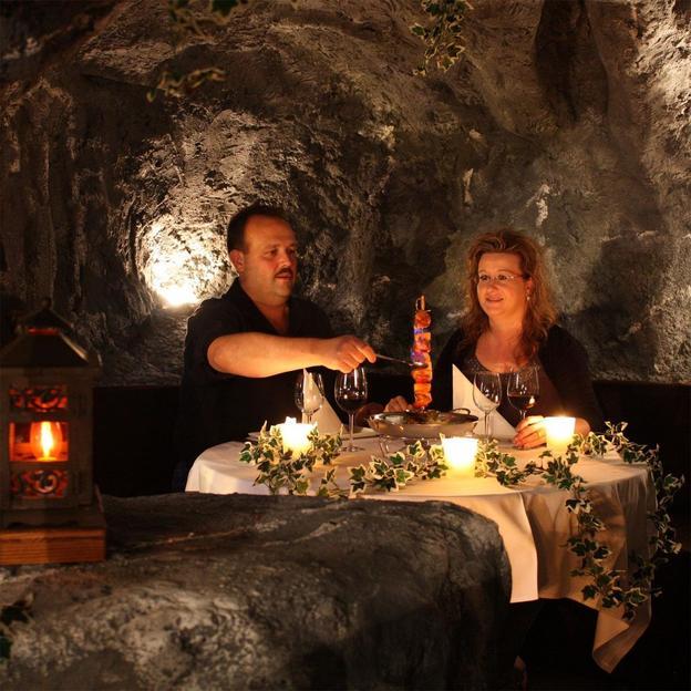 Dîner romantique souterrain (sans boissons)
