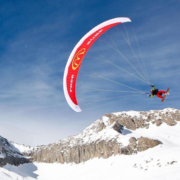 Vol en parapente en tandem avec Ski / Snowboard (Kühmatte)