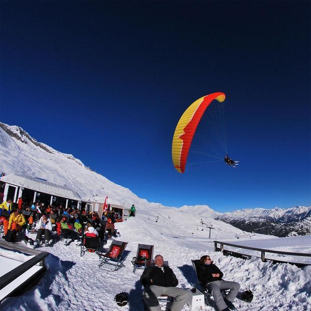 Gleitschirm Tandemflug mit Ski/ Snowboard (Kühmatte)