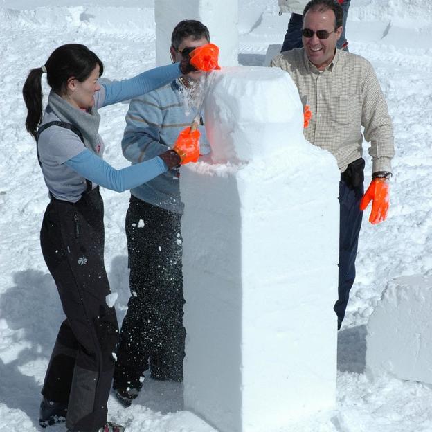 Initiation à la sculpture sur neige