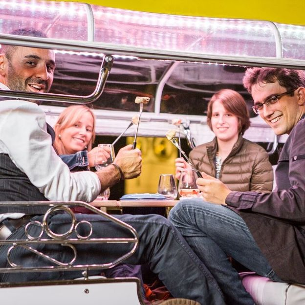 Barbecue- oder Fondue TukTuk City Tour à 90 Minuten