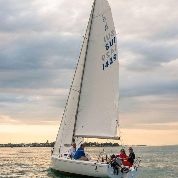Charter Segelboot J80 auf dem Bodensee mit Skipper