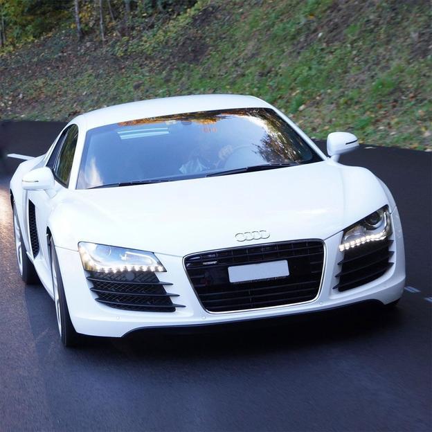 Audi R8 4.2 V8 für 4 Stunden mieten