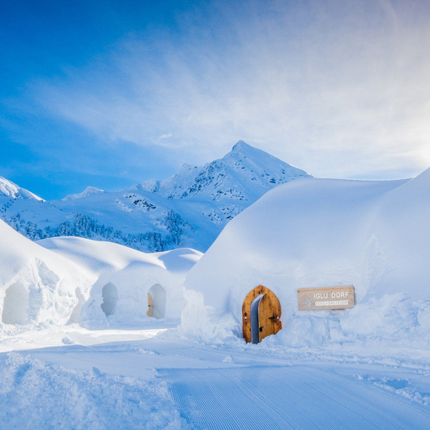 Übernachtung im Romantik Iglu & Gleitschirm-Tandemflug in Davos (für 2 Personen)