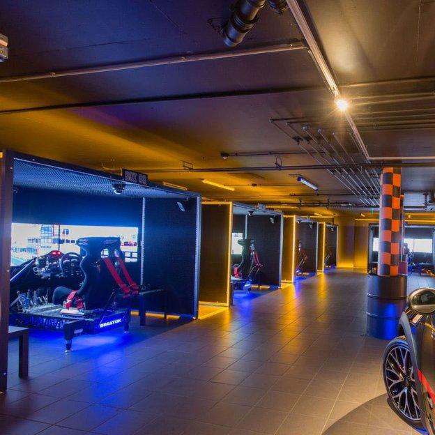 Exklusiv Automobil Rennsport Simulator (1 Stunde)